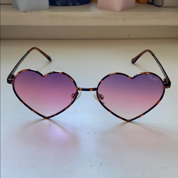 QUAY Heartbreaker Sunglasses in Brown